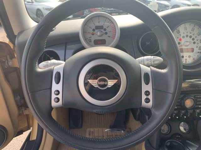 Pre-Owned 2004 MINI Cooper Hardtop